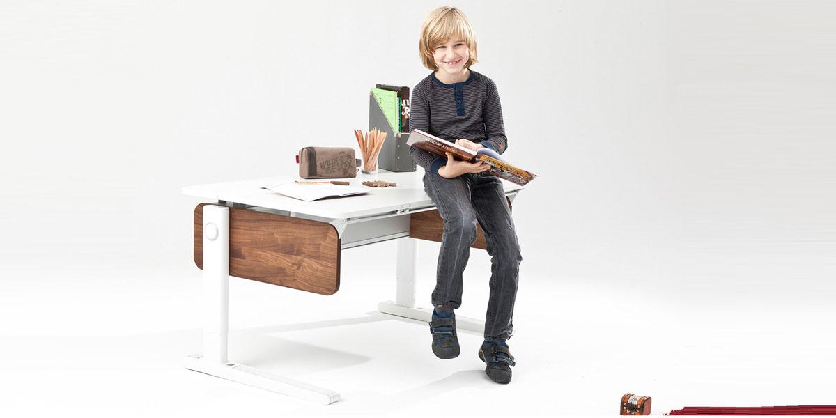 детско бюро с дървени страници