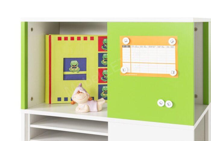 Етажерки за детската стая