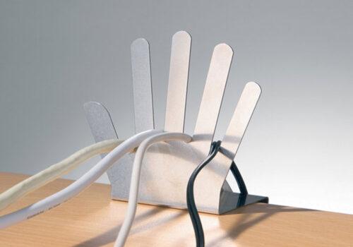 поставка за кабели