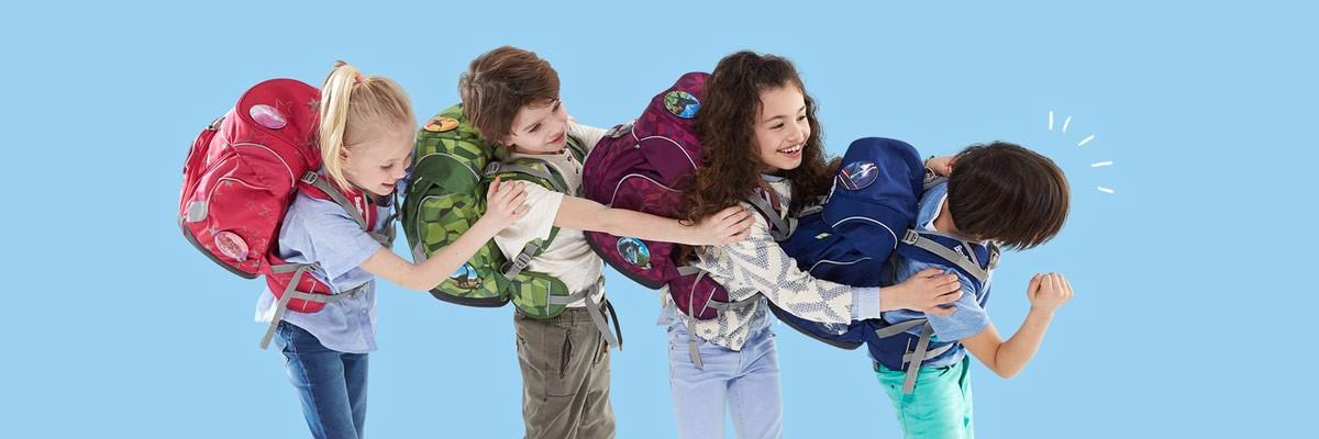 Как правилно да подредим ученическата раница и как да я носим?